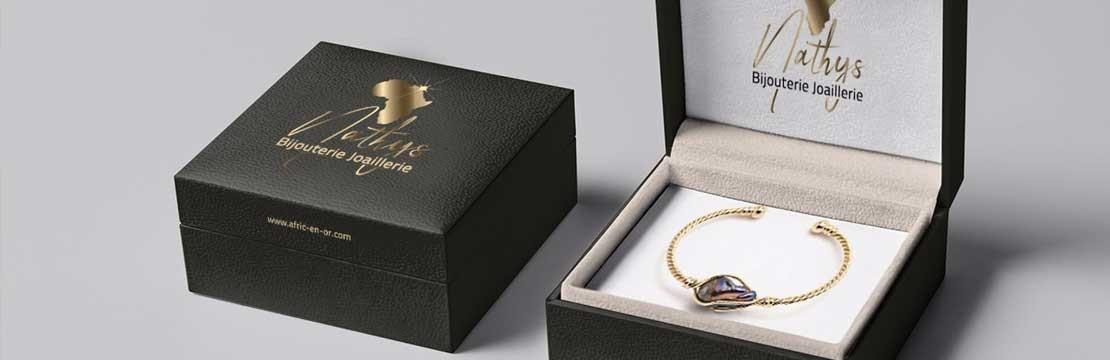 S'engage sur la qualité de ses bijoux avec un certificat de garanti Européen